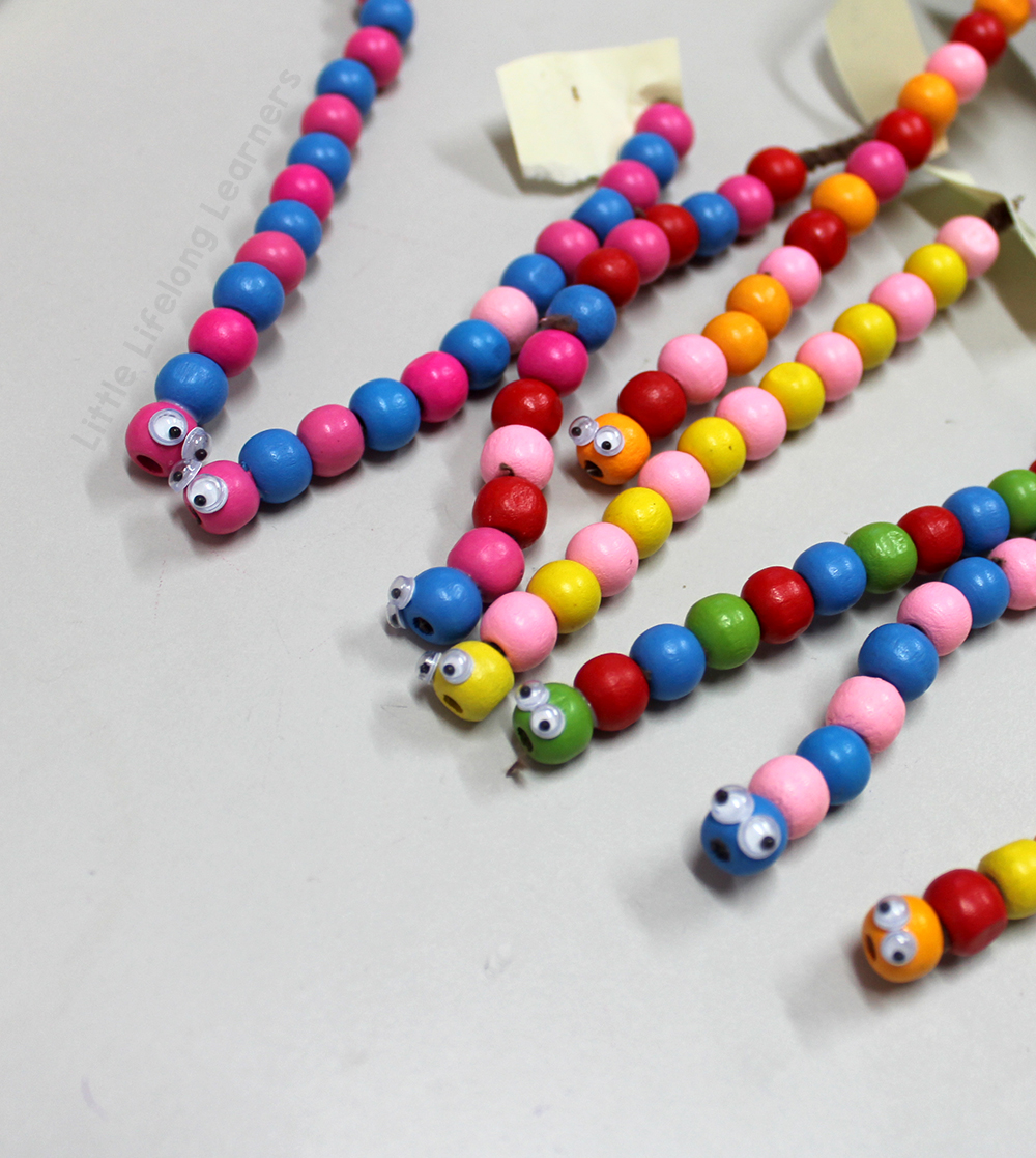 Make pattern worms using beads and pipe clearners | Activities for exploring patterning in the Prep, Foundation, Preschool and Kindergarten classroom | Hands-on learning | Australian Curriculum |